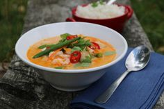 Thaisuppe med torsk og reker Thai Coconut, Coconut Shrimp, Shrimp Soup, Thai Red Curry, Cod, Seafood, Ethnic Recipes, Soups, Cilantro