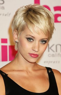 Kimberly Wyatt Singer Kimberly Wyatt attends the Hair Magazine Awards 2009 held at Il Bottaccio on September 29, 2009 in London, England.