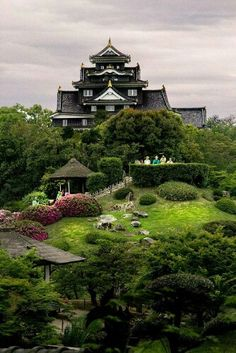 Okayama castle castle, fortress, castles, temple, shrine, the real japan, real japan, japan, japanese, guide, tips, resource, tips, tricks, information, community, adventure, explore, trip, tour, vacation, holiday, planning, travel, tourist, tourism, backpack, hiking http://www.therealjapan.com/subscribe/
