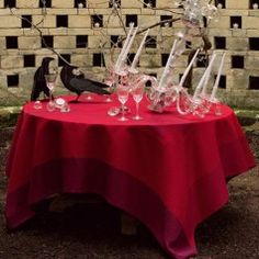 Red Table Settings: Le Jacquard Francais Diamant Ruby Table Linens | Gracious Style