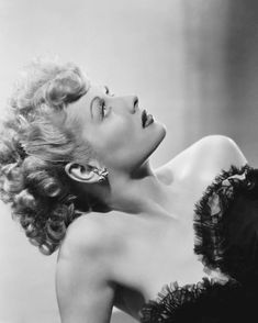 Old Hollywood Glamour, Vintage Hollywood, Classic Hollywood, In Hollywood, Hollywood Actresses, Classic Actresses, Golden Age Of Hollywood, Beautiful Actresses, I Love Lucy