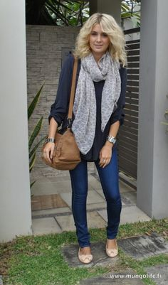 love the scarf and big sweater
