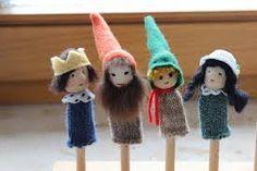 fingerpuppen tiere stricken - Google-Suche Finger Puppets, Crafts For Kids, Christmas Ornaments, Holiday Decor, Mini Mini, Gnomes, Storytelling, Kindergarten, Pocket