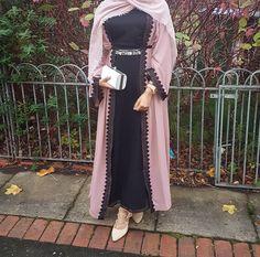 Pinterest: @adarkurdish Arab Fashion, Muslim Fashion, Ethnic Fashion, Modest Fashion, Mode Kimono, Chic Outfits, Fashion Outfits, Vetement Fashion, Abaya Designs
