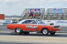 Mostly Mopar Muscle Chrysler Hemi, Cool Car Pictures, Dodge Dart, Drag Cars, American Muscle Cars, Car Humor, Old Trucks, Drag Racing, Plymouth