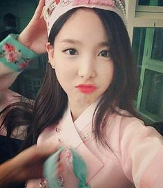 TWICE Nayeon's hair has grown longer than ever S Girls, Kpop Girls, Boys, How To Make Pho, Twice Chaeyoung, Twice Tzuyu, Korean Birthday, Salmon Sushi, Nayeon Twice