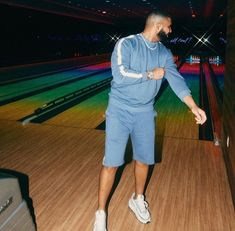Not Nice does Miami 🌴 Night Aesthetic, Blue Aesthetic, Sweater Set, Sweater And Shorts, Drake Fashion, Collage Des Photos, Drake Wallpapers, Drake Drizzy, Moda Masculina