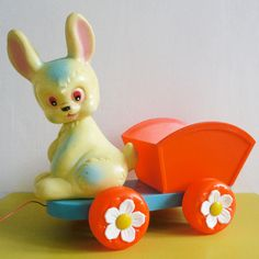 jouet à tirer lapin Clairbois // vintage bunny pull toy