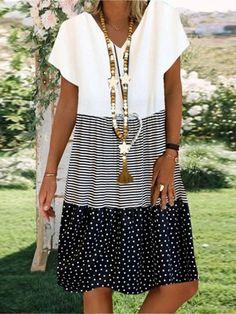 Ladies casual V-neck printed short sleeve dress - realyiyi.com Women's A Line Dresses, Knee Length Dresses, Plus Size Dresses, Casual Dresses, Short Sleeve Dresses, Dresses With Sleeves, Dresses Dresses, Loose Dresses, Vintage Dresses