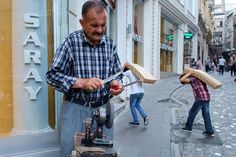 Getting sharp #StreetHunters #StreetPhotography #XPro1 #FujifilmXPro1 #IstanbulStreetHunt by spyros