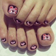 toenails with hearts and teddy bears