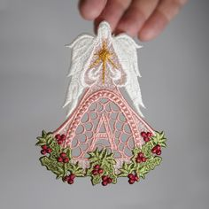 Sonia Showalter machine embroidery - Awesome Christmas Angel Ornament Alpha.....free!
