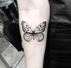 Popular tattoos and their meaning This image has 33 repetitions. - Popular tattoos and their meaning This image has 33 repetitions. Author … – Popular Tattoos and - Rose Tattoos, Body Art Tattoos, Hand Tattoos, Small Tattoos, Sleeve Tattoos, Tatoos, Realistic Butterfly Tattoo, Butterfly Tattoos, Monarch Butterfly Tattoo