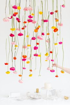 DIY hanging floral installation -If you're looking for a statement party, engagement, or wedding decor piece, then this DIY hanging flower installation is for you! Hanging Flowers, Diy Hanging, Paper Flowers, Diy Backdrop, Photo Booth Backdrop, Party Backdrops, Wedding Backdrops, Flower Backdrop, White Backdrop