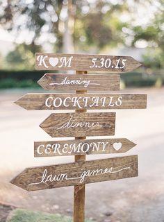 Las señales de  flechas pueden ser un gran elemento para tu decoración, ¡tus invitados no se perderán! #Wedding #Theme #Ideas
