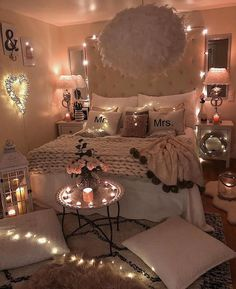 15 Inspiring Romantic Room Decor For Surprise Your Lover's surprise romantic lover inspiring decor Dream Rooms, Dream Bedroom, Master Bedroom, Bedroom Bed, Modern Bedroom, Bed Room, Small Bedroom Designs, Design Bedroom, Teen Room Designs