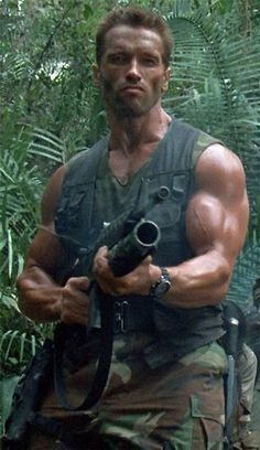 Arnold Schwarzenegger is rightfully a legend in the world of bodybuilding. Here are 35 awesome classic bodybuilding pictures of Arnold Schwarzenegger. Arnold Schwarzenegger Predator, Patrick Schwarzenegger, Arnold Motivation, Fitness Motivation Pictures, Predator Arnold, I Movie, Movie Stars, Rambo, Predator Movie