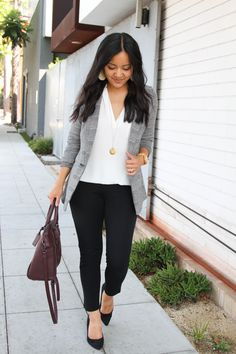 business casual: grey and white blazer + white blouse + black pants + black flats + maroon purse Source by audreyPMT professional outfits Business Professional Outfits, Business Casual Outfits For Women, Office Outfits Women, Business Casual Attire, Casual Work Outfits, Mode Outfits, Work Casual, Professional Clothing, Casual Professional