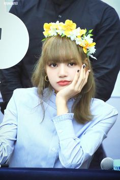 𝚏𝚘𝚕𝚕𝚘𝚠 𝚖𝚎 𝚏𝚘𝚛 𝚖𝚘𝚛𝚎 ©satanjeongyeon Lisa Bp, Jennie Lisa, South Korean Girls, Korean Girl Groups, Lisa Blackpink Wallpaper, Blackpink Jisoo, Yg Entertainment, Kpop Girls, My Girl