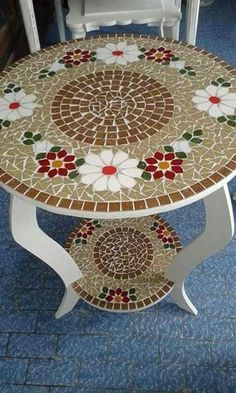 25 Lovely Diy Mosaic Table Concept in 2020 Mosaic Tile Art, Mosaic Artwork, Mosaic Crafts, Mosaic Projects, Stone Mosaic, Mosaic Glass, Mosaics, Stained Glass Patterns, Mosaic Patterns