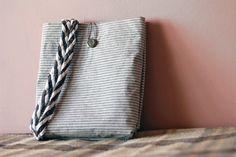 Ducktape tote by ElektromosVihar on DeviantArt Deviantart, Sewing, Fabric, Diy, Bags, Tejido, Handbags, Dressmaking, Tela
