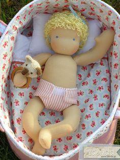 Karenka – waldorfska lalka szmaciana niemowlaczek   Lalinda
