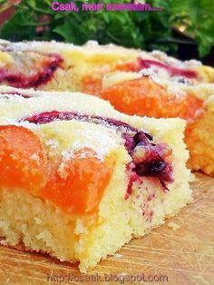Csak, mert szeretem...  kreatív gasztroblog: GRÍZES PITE BARACKKAL ÉS SZILVÁVAL Hungarian Cake, Hungarian Recipes, My Favorite Food, Favorite Recipes, Homemade Cakes, Desert Recipes, Pound Cake, Sweet Recipes, Food To Make