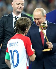 Soccer World Cup 2018 Final game France vs Croatia at the Luzhniki Stadium Croatia's Luka Modric receiving the Golden Ball trophy for the World Cup's. Soccer World Cup 2018, Fifa World Cup, Steven Gerrard, Premier League, France Vs, World Cup Russia 2018, National Football Teams, Soccer Training, Best Player