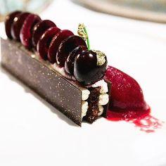 Get inspired by 🍒 on the top of the cake/Le Forêt noir | Pascal Devalkeneer @lechaletdelaforet | Le Chalet de la Forêt 🌳 | 🌐Uccle, Belgium 🇧🇪 | 📷 Designer -  Le Chalet de la Foret | Food Artist Warmly recommended by @hipsterfoodofficial | Tag Food You Make with #hipsterfoodofficial | + 📸 on/sur > https://m.facebook.com/groups/HipsterfoodOfficial/ 🍽instagram : instagram.com/hipsterfoodofficial | #alatabledeschefs #chefsofinstagram #foodporn #instafood #pastry #foretnoir #instagood…