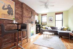 Красная кирпичная кладка в интерьере гостиной #кирпич #дизайн #интерьер #декор #тренды #стиль #стена #лофт #brick #wall #interior #design