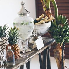 Love the pineapples (means hospitality) with the white and silver. Also, the straws are cute. Hate the bananas.