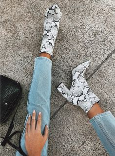 Snakeskin look boots Dr Shoes, Crazy Shoes, Sock Shoes, Me Too Shoes, Snakeskin Boots, Aesthetic Shoes, Aesthetic Fashion, Cute Boots, Fashion Heels