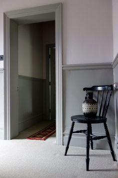 Farrow & Ball Peignoir and Worsted Farrow And Ball Living Room, Grey Carpet Living Room, Living Room Paint, Bedroom Carpet, Living Rooms, Farrow Ball, Farrow And Ball Paint, Carpet Decor, Diy Carpet
