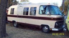 1974 Airstream Argosy 24 ft Center bath, Rear beds $14500