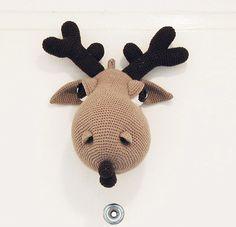 Hogar the Moose - Amigurumi Moose Crochet Pattern - Crochet Wall Decor - Faux Taxidermy di pepika su Etsy https://www.etsy.com/it/listing/119407204/hogar-the-moose-amigurumi-moose-crochet