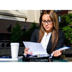 How to Ace the Post Grad Job Search ~ Levo League Interview Skills, Job Interview Tips, Job Interviews, Job Hunting Tips, Career Counseling, You Better Work, Job Search, Career Search, Working Woman