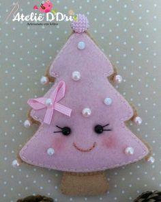 60 ideas felt tree decorations pattern for 2019 Pink Christmas Decorations, Little Christmas Trees, Felt Decorations, Merry Christmas To All, Felt Christmas Ornaments, Christmas Art, Handmade Christmas, Xmas Tree, Felt Crafts Diy
