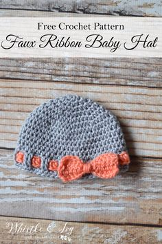 Make this adorable bow Faux Ribbon Baby Hat, perfect for your own little one or for a baby shower gift. Crochet Baby Blanket Beginner, Crochet Baby Hats, Crochet Beanie, Crochet For Kids, Diy Crochet, Crochet Crafts, Baby Knitting, Crochet Projects, Crochet Ideas