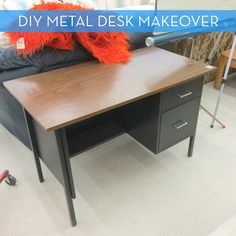 Thrift Store Desk Makeover & the beginning of a Home Office - northstory Metal Desk Makeover, Desk Redo, Office Makeover, Furniture Makeover, Diy Office Desk, Diy Desk, Home Office Furniture, Home Office Decor, Office Ideas