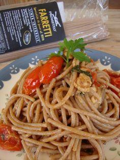 Spaghetti di farro saltati con pachini e sgombro. #farro #integrale