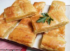 La galette aux pommes de terre berrichonne, deux rectangles de pâte feuilletée dorée qui «croustillent» autour d'un cœur moelleux de purée, occupe une place privilégiée dans la gastronomie du Berry.    La recette de cette «galette aux patates» s'appuie sur un savoir-faire accompli. Dans sa version s