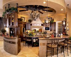 circular kitchen... Now that's awesome