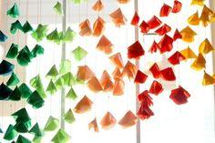 Ribbon Crafts, Fabric Crafts, Fleurs Kanzashi, Diy Fleur, Textiles, Fabric Flowers, Diy And Crafts, Scrapbook, Mobiles