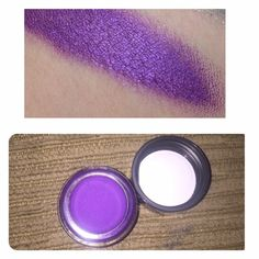ESTEE Lauder stay on shadow paint Creamy shimmer shadow. Brand new and authentic in the color Neon Fuchsia Sephora Makeup Eyeshadow