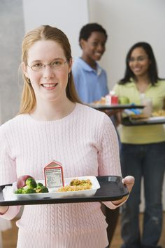 #School #Lunches Get #Eco Upgrade: Nation's Top Schools Ditch #Styrofoam Trays #kids #environment #health http://www.organicauthority.com/nations-largest-school-districts-ditch-styrofoam-trays-school-lunches-get-eco-upgrade/