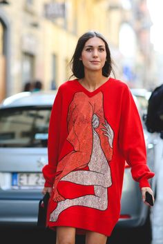 60 Head-To-Toe-Amazing Street Style Snaps From Milan Fashion Week #refinery29  http://www.refinery29.com/2015/09/94857/milan-fashion-week-spring-2016-street-style-pictures#slide-17  She's going out on a limb with this look....