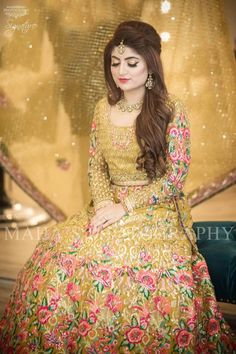 Pakistani Mehndi Dress - Pakistani Wedding Dress - Latest Wedding Dresses at Nameera By Farooq - Prom Dresses Design Pakistani Mehndi Dress, Bridal Mehndi Dresses, Pakistani Bridal Makeup, Walima Dress, Pakistani Wedding Dresses, Pakistani Outfits, Wedding Party Dresses, Party Wedding, Wedding Themes