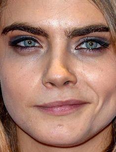 30 Ideas De Fotos Sin Retoques En 2021 Celebridades Retoque Transformación Con Maquillaje