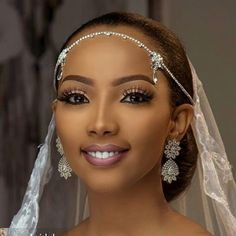 Sudanese bride Photography: Make up: Bridal dress: Accessories: Hair: Bride Makeup, Wedding Hair And Makeup, Girls Makeup, Hair Makeup, Black Brides Hairstyles, Bride Hairstyles, Natural Hair Wedding, Braut Make-up, Bride Hair Accessories