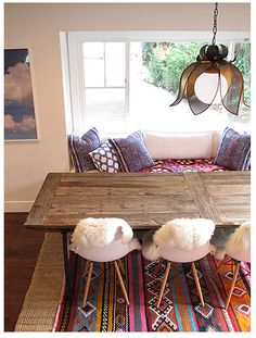 hippy chic cozy and colorful spiritual and peaceful breakfast nook...swoon...I promise, I'd make breakfast home everyday!